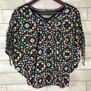 Bongo size medium batwing shirt crochet back